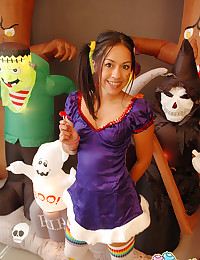 Cindy Cupcakes - Fresh Latin honey pleases her watchers with a Halloween stripping shoot