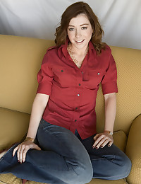 Fascinating Alyson Hannigan will surely gets your body heat up