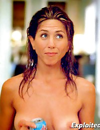 Jennifer Aniston's tits exposed!