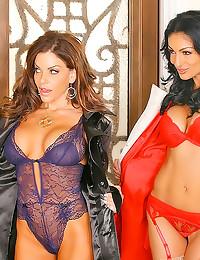 Stunning women in hot lingeri...