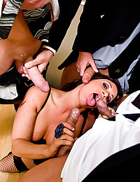 Lusty Babe Gets Ravaged Raw