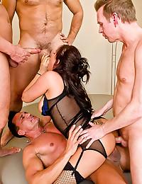 Lusty Babe Gets Ravaged Raw