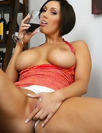 Dylan Ryder has sexy tits