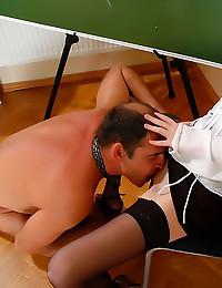 Sexy student seduces her teacher