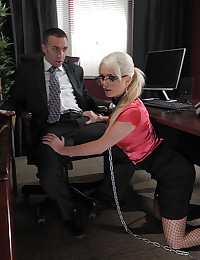 Sultry Blonde Spreads Wide For Dick