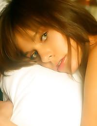 Natural light on brunette bea...