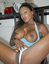 Free ebony porn pics
