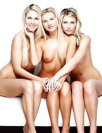 Three erotic naked blondes po...