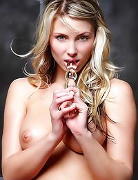 Gorgeous blonde toy sex