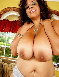 Fat solo black girl
