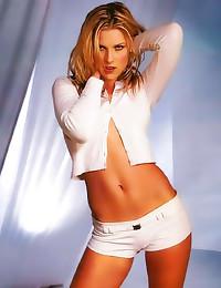 Ali Larter sexy celeb pictures