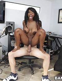 Wild Black Babe Nyomi Rammed