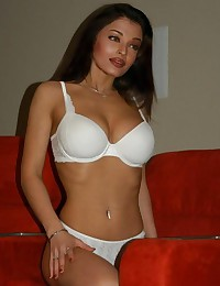 Aishwarya Rai will show you her indian tits in all its glory!