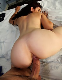 Horny Minx Takes On Massive Dong