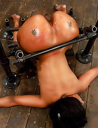 Black girl does sexy bondage
