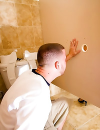 Slut in bathroom takes cumsho...