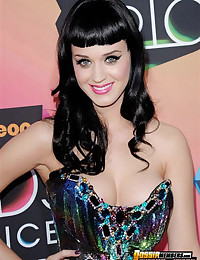 Inappropriately dressed Katy Perry's megacleavage celebrity pics plus other skanky stars