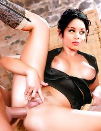 Vanessa Hudgens fake anal sex