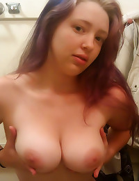 Amateurs with big natural tit...