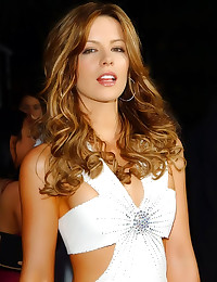 Scantily clad Kate Beckinsale
