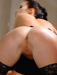 Gorgeous girl wears black sto...