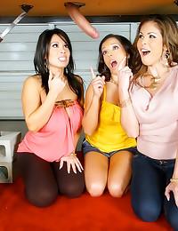 CFNM with glamorous girls