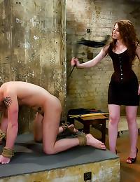 Dominant girl gets him off