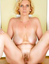 Blonde granny with big bush