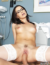 Ramon is visiting his dentist Ann Marie, she asks him if he had follow all her recommendations on the care of his teeth including if he had eat pussy. Ramon finds unusual. As a pretext, Ann Marie decides to perform a minor emergency surgery and sedates Ra
