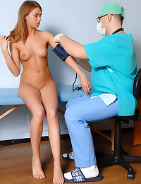 Teen ass fingered by doctor