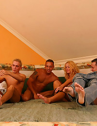 Blonde pregnant cutie with shaved pussy fucked and cumsprayed by three horny men