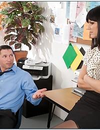 Naughty Secretary Pleasures Horny Boss