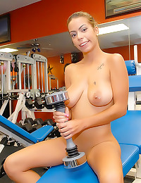 Weight lifting girl gym sex