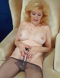 Pantyhose mature has big tits