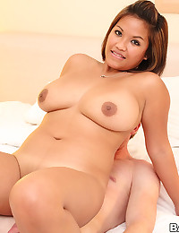 Voluptuous Asian Cutie Reina Rides Cock