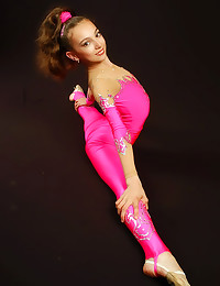 Bendy ballerina in spandex