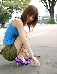 Naughty Japanese Babe Seducin...