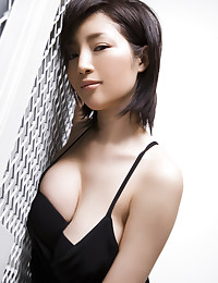 This Asian babe is on fire!