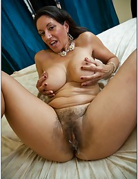 Creampie leaks from her hairy pussy