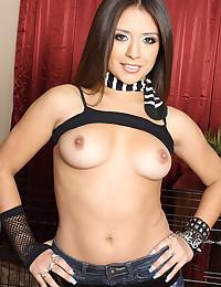 Pretty pornstar striptease to nudity