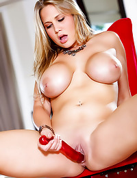 Alanah Rae hot striptease in ...