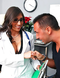 Patient nails his horny docto...