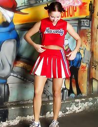 Pleated skirt cheerleader tea...