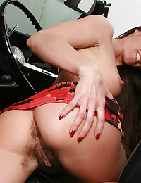 A hairy woman that loves to tease