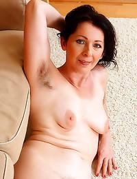 Hairy cunt on mature slut