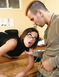 She fingers while he fucks he...