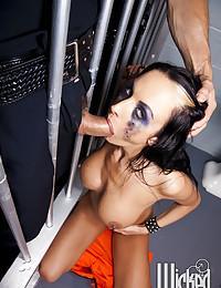Sexy jailbird gagging blowjob