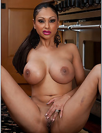Busty Indian Cougar Priya Rai