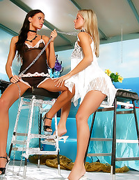 Young lesbians in kinky forep...