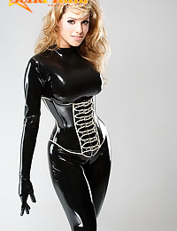 Kinky babe in all latex
